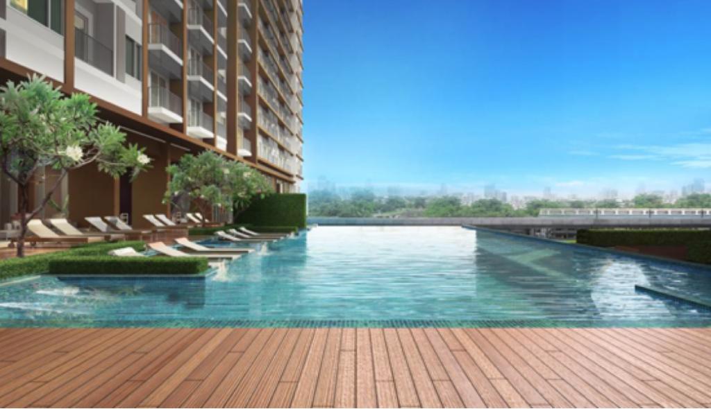 Jade Tower pool
